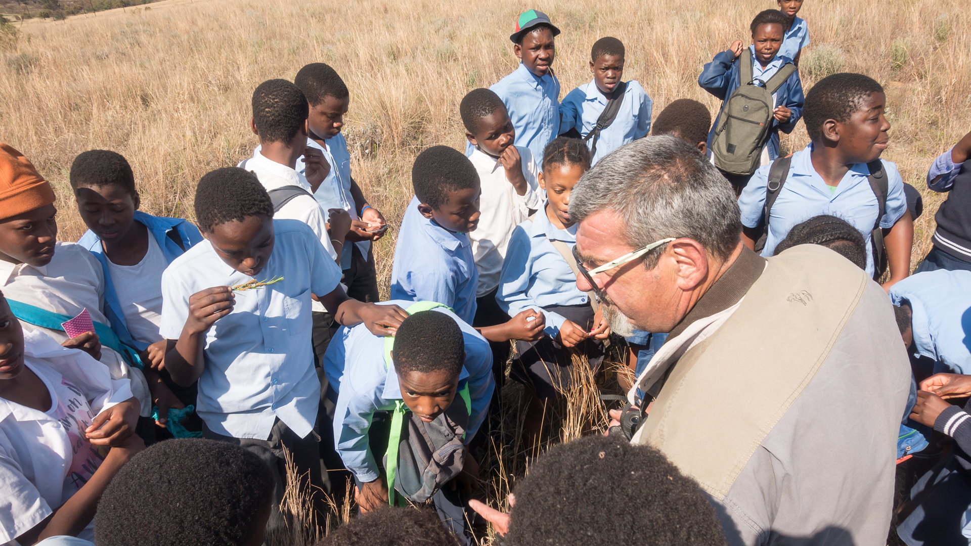 Laezonia Primary School students on a Nature Walk with Howard Birchard